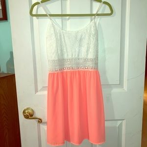 Cals Dresses - Cute lace top dress!
